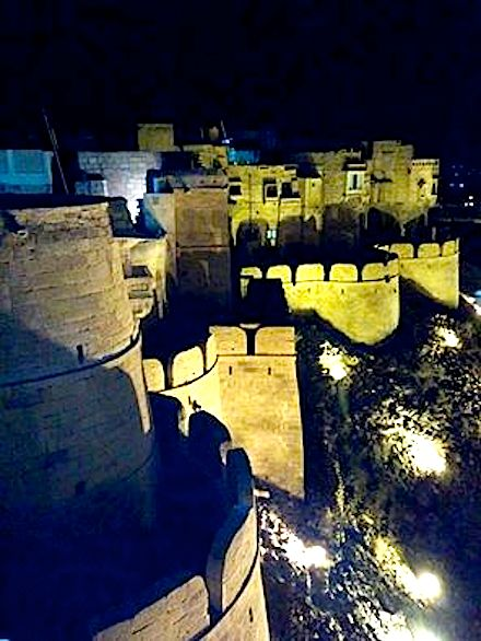 Jaisalmer, with its magnificent fort is among places to see i Rajasthan